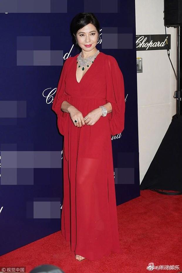 Vẻ đẹp rạng rỡ và khó tin của Marilyn Monroe Hồng Kông Chung Sở Hồng ở tuổi 57 - Ảnh 1.