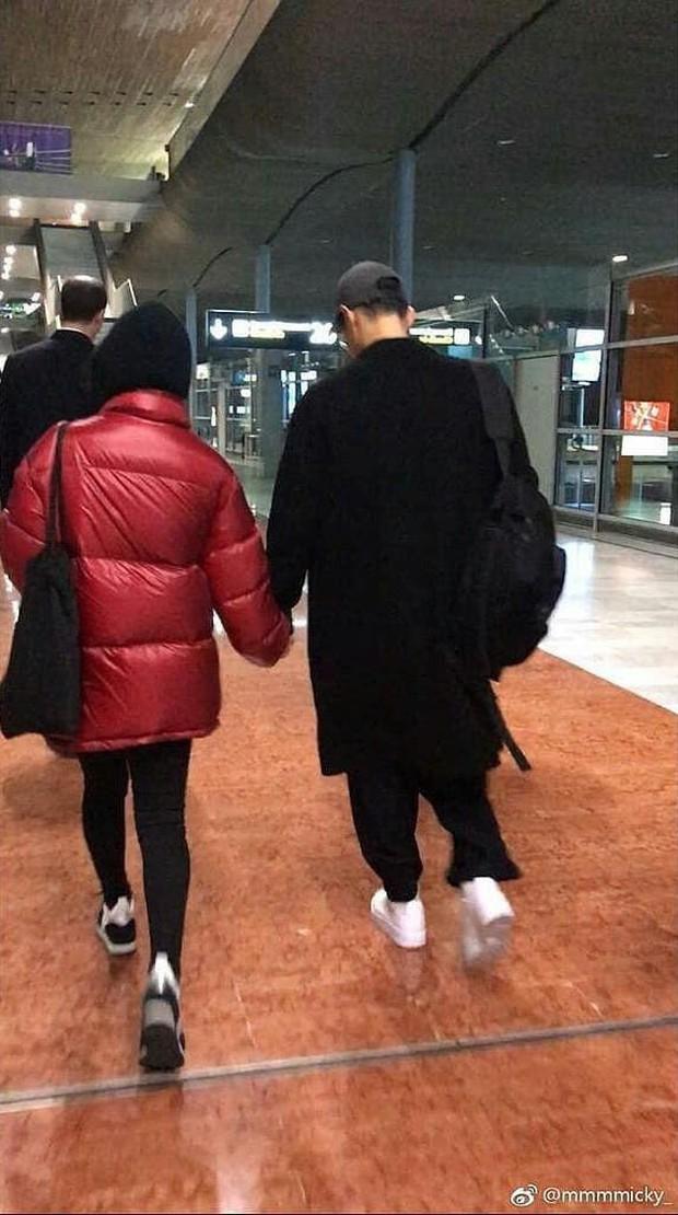 Song Joong Ki và Song Hye Kyo dắt tay nhau tình tứ, lần đầu tiên cùng nhau sang Paris dự một sự kiện - Ảnh 5.