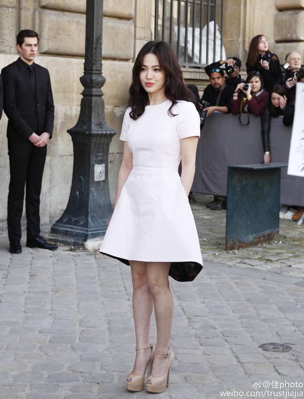 Liên tục kín như bưng, bụng nhô bất thường, Song Hye Kyo liệu có đang mang bầu? - Ảnh 13.