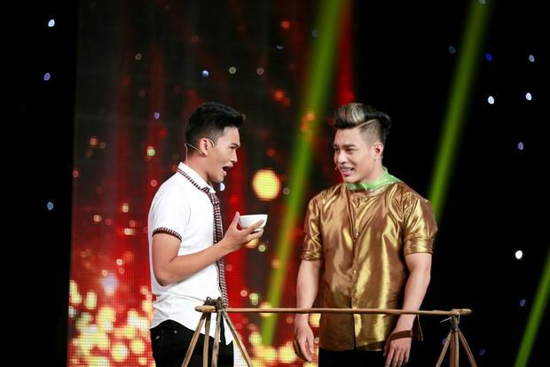 Cười xuyên Việt: Nhóm Những Chàng Trai gây bất ngờ với hài kịch kinh dị kết hợp Bolero - Ảnh 8.