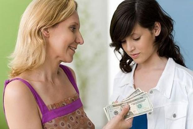 Nàng dâu khoe bố mẹ chồng tâm lí không bắt nộp tiền sinh hoạt còn đưa cả thẻ lương hưu cho chi tiêu, mua sắm cá nhân - Ảnh 2.