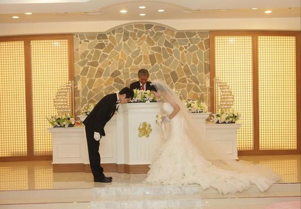 Chuyện lấy chồng nước ngoài: Cứ 100 cô dâu nước ngoài tại Hàn thì có tới 73 cô là người Việt Nam - Ảnh 1.