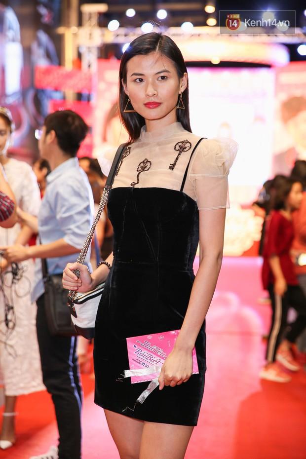 Lan Khuê, Team Sang diện lộng lẫy đến ủng hộ Trương Mỹ Nhân ra mắt phim điện ảnh thứ hai đóng vai chính - Ảnh 4.