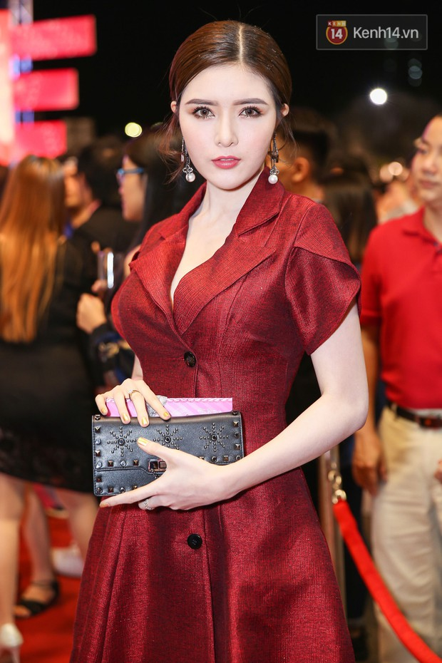 Lan Khuê, Team Sang diện lộng lẫy đến ủng hộ Trương Mỹ Nhân ra mắt phim điện ảnh thứ hai đóng vai chính - Ảnh 23.