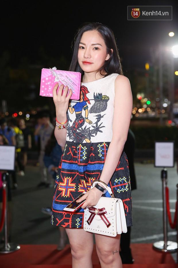 Lan Khuê, Team Sang diện lộng lẫy đến ủng hộ Trương Mỹ Nhân ra mắt phim điện ảnh thứ hai đóng vai chính - Ảnh 15.