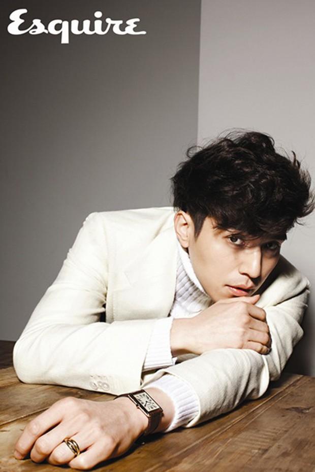 Đẳng cấp nam thần của Lee Dong Wook: Nhẵn nhụi thì thư sinh, mà để râu thì lại quá gợi cảm! - Ảnh 1.