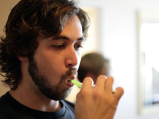 Chải răng tưởng chừng là việc đơn giản, ấy vậy mà hầu hết chúng ta vẫn mắc phải những lỗi này - Ảnh 6.