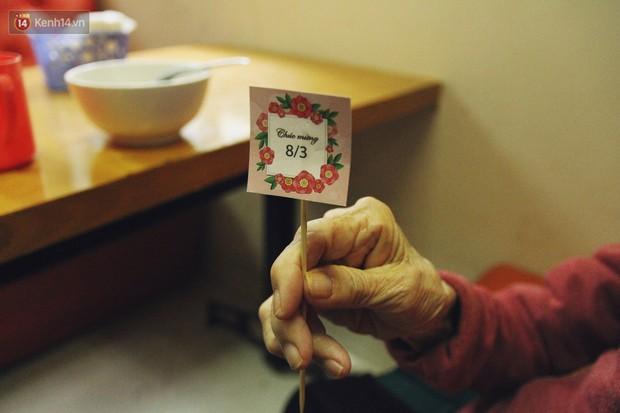 Đằng sau cánh cửa một viện dưỡng lão ở Hà Nội: Ừ thì, mình cứ vui hết mình thôi! - Ảnh 9.
