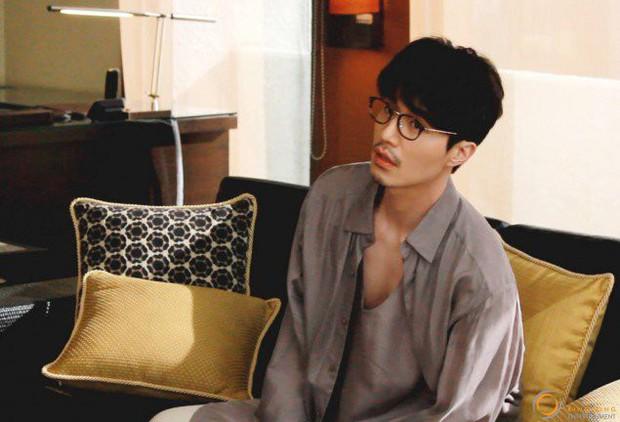 Đẳng cấp nam thần của Lee Dong Wook: Nhẵn nhụi thì thư sinh, mà để râu thì lại quá gợi cảm! - Ảnh 12.