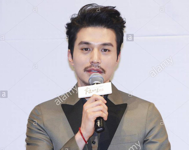 Đẳng cấp nam thần của Lee Dong Wook: Nhẵn nhụi thì thư sinh, mà để râu thì lại quá gợi cảm! - Ảnh 14.