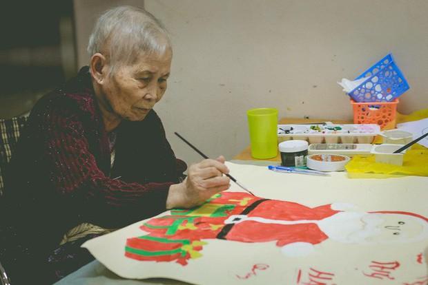 Đằng sau cánh cửa một viện dưỡng lão ở Hà Nội: Ừ thì, mình cứ vui hết mình thôi! - Ảnh 15.