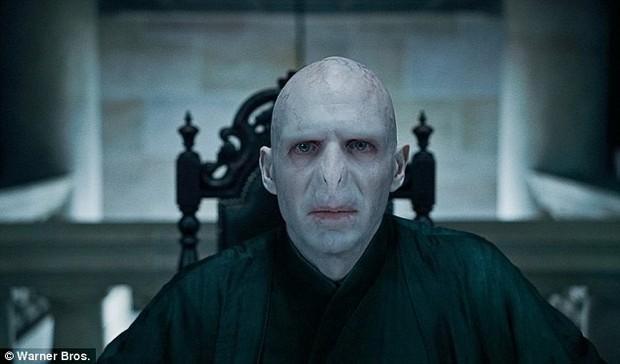 Voldemort (Harry Potter) đi massage Thái lúc nửa đêm nhưng không mang đủ tiền thanh toán - Ảnh 9.