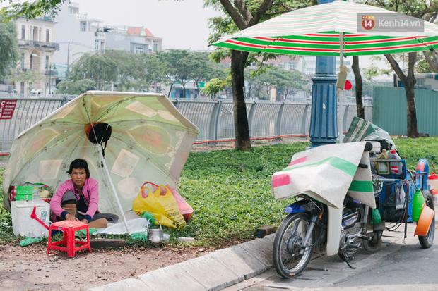 Người lao động Sài Gòn chật vật mưu sinh những ngày nắng nóng đổ lửa - Ảnh 5.