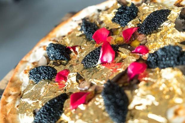 Muốn khám phá vị vàng thế nào, 7 món ăn dát vàng này chính là thứ nên thử, Việt Nam cũng có 1 món - Ảnh 2.