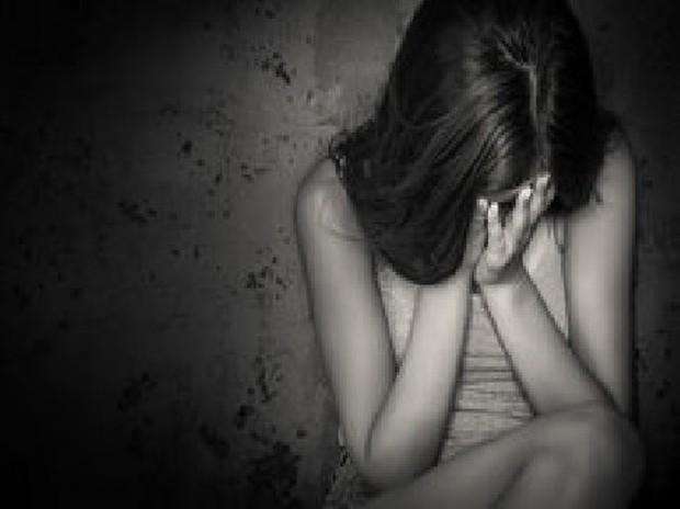 Bỏ nhà đi vì giận mẹ, bé gái 11 tuổi bị hãm hiếp, hành hạ suốt 10 năm - Ảnh 2.