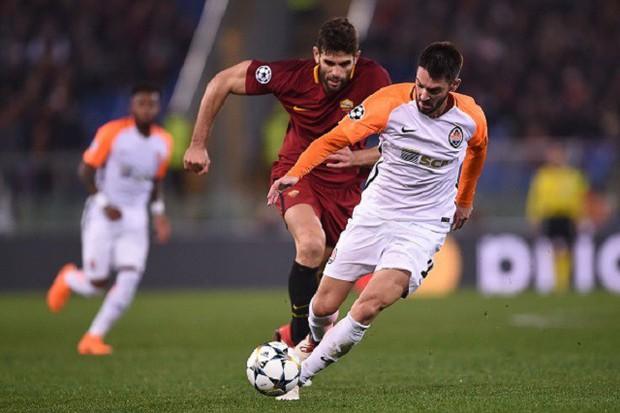 Cựu sao Man City tỏa sáng đưa Roma vào tứ kết Champions League - Ảnh 4.