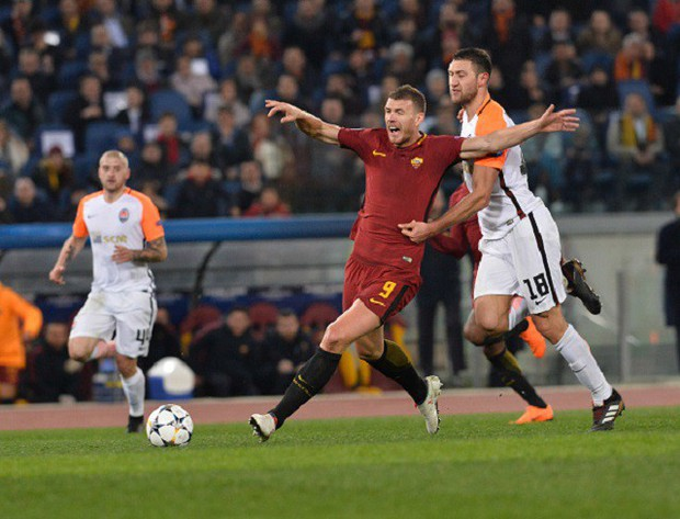 Cựu sao Man City tỏa sáng đưa Roma vào tứ kết Champions League - Ảnh 10.
