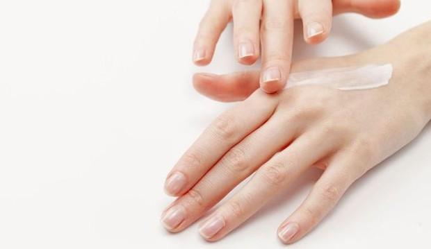 Đừng để mắc phải tình trạng giống như Phạm Băng Băng, hãy chăm sóc đôi tay của bạn ngay từ bây giờ - Ảnh 4.