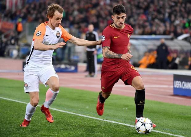 Cựu sao Man City tỏa sáng đưa Roma vào tứ kết Champions League - Ảnh 2.