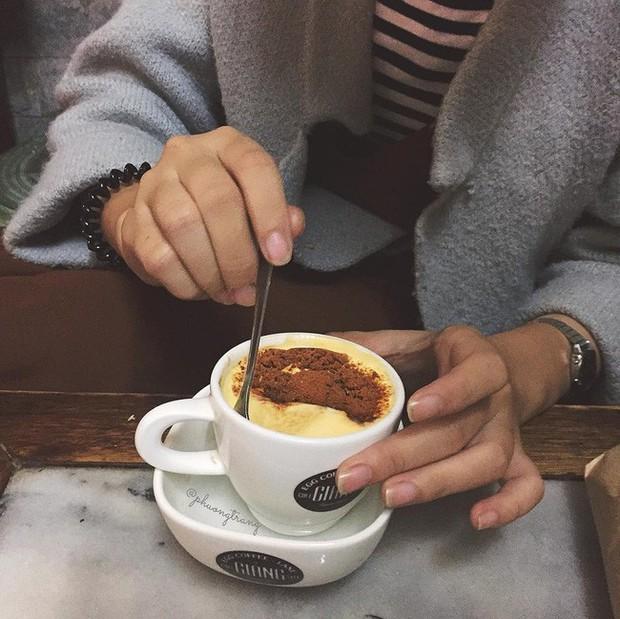 Vòng quanh thế giới đi tìm những món cafe độc đáo nhất: Cafe pha với than hồng, pho mát - Ảnh 5.