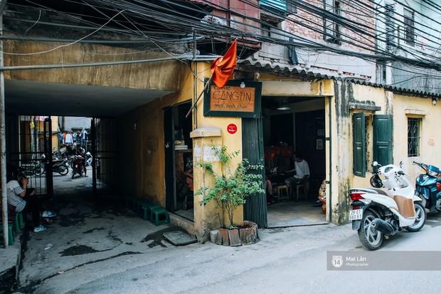 Để ý mới thấy, khắp Việt Nam có rất nhiều quán có bức tường vàng thần thánh để check in sống ảo khi đi du lịch - Ảnh 1.