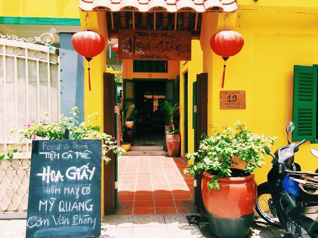 Để ý mới thấy, khắp Việt Nam có rất nhiều quán có bức tường vàng thần thánh để check in sống ảo khi đi du lịch - Ảnh 17.