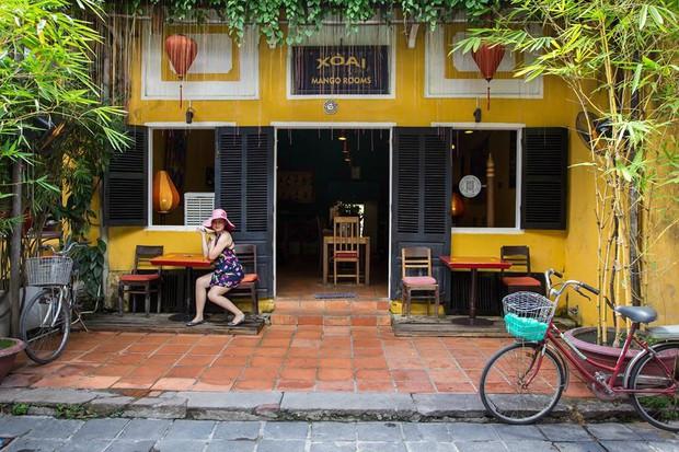 Để ý mới thấy, khắp Việt Nam có rất nhiều quán có bức tường vàng thần thánh để check in sống ảo khi đi du lịch - Ảnh 23.