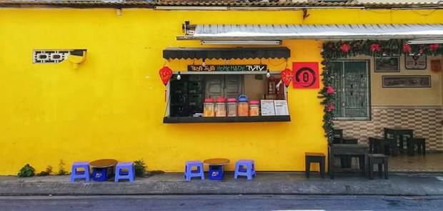 Để ý mới thấy, khắp Việt Nam có rất nhiều quán có bức tường vàng thần thánh để check in sống ảo khi đi du lịch - Ảnh 26.