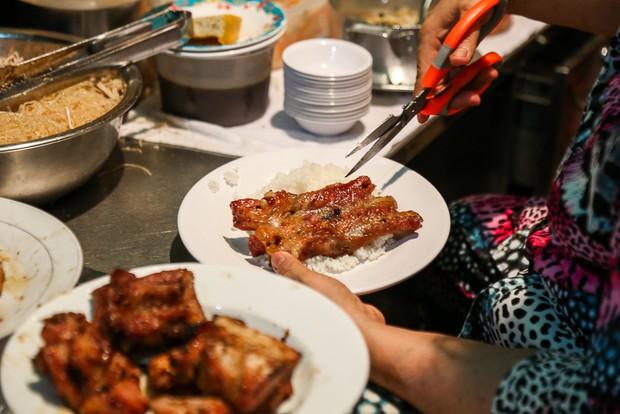 4 quán vỉa hè ở Sài Gòn nếu cứ vui miệng là giá chẳng kém gì nhà hàng sang - Ảnh 7.