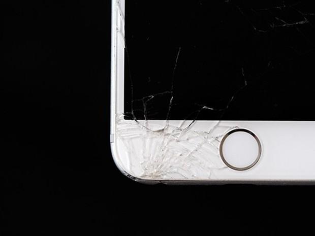 Mua smartphone like new, nứt tí màn hình nhưng rẻ hơn hẳn 3 triệu: Có thực sự ngon-bổ-rẻ? - Ảnh 1.
