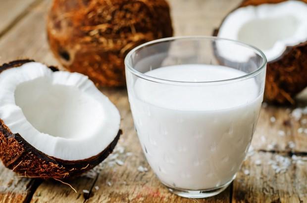Nếu bạn đang đau đầu vì chứng rụng tóc, hãy thử sử dụng các thực phẩm sau - Ảnh 5.