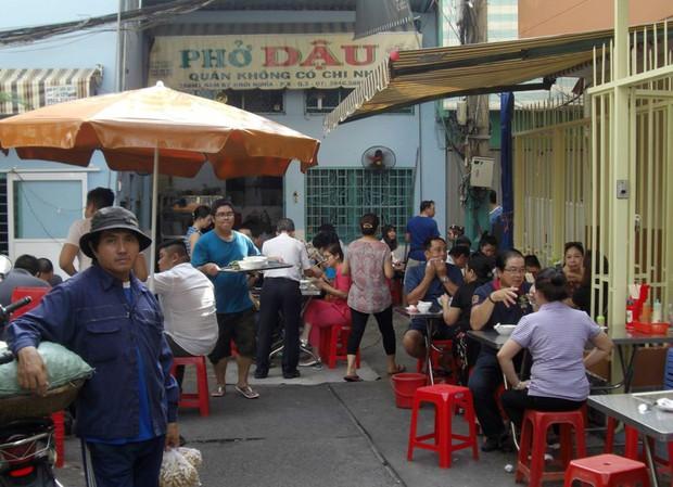 4 quán vỉa hè ở Sài Gòn nếu cứ vui miệng là giá chẳng kém gì nhà hàng sang - Ảnh 10.