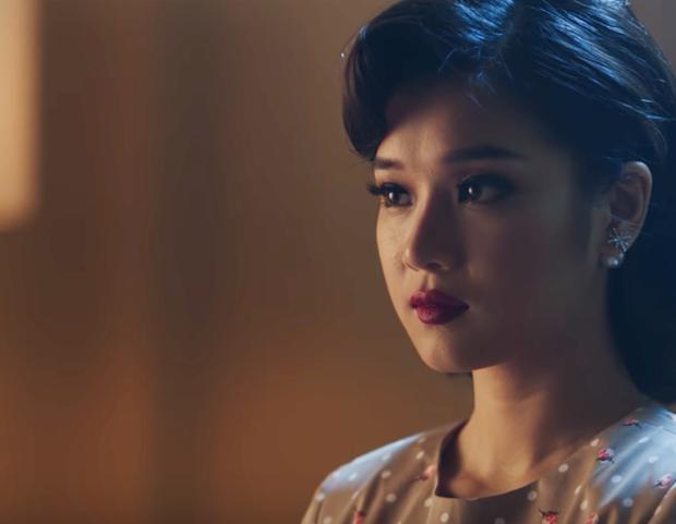 Hoàng Yến Chibi hóa thân 2 hình tượng già - trẻ của Hiểu Phương, kể chuyện tình buồn trong MV nhạc phim Tháng năm rực rỡ - Ảnh 6.