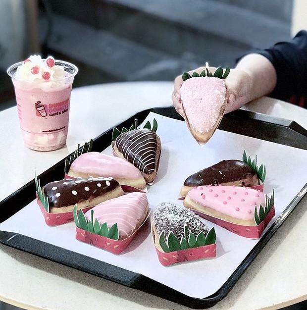 Sài Gòn: Những món ngọt mới toanh với màu sắc rực rỡ nhìn là thấy mùa hè! - Ảnh 4.