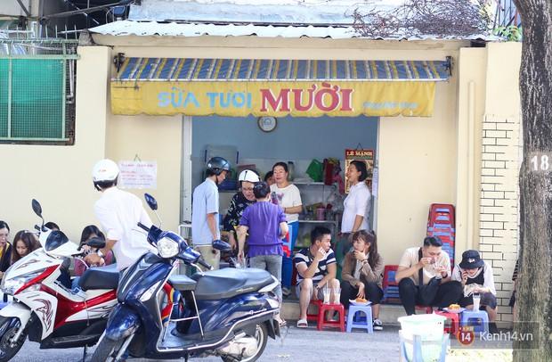 Chốn dừng chân ăn sáng, uống sữa huyền thoại của bao thế hệ người Sài Gòn - Ảnh 12.