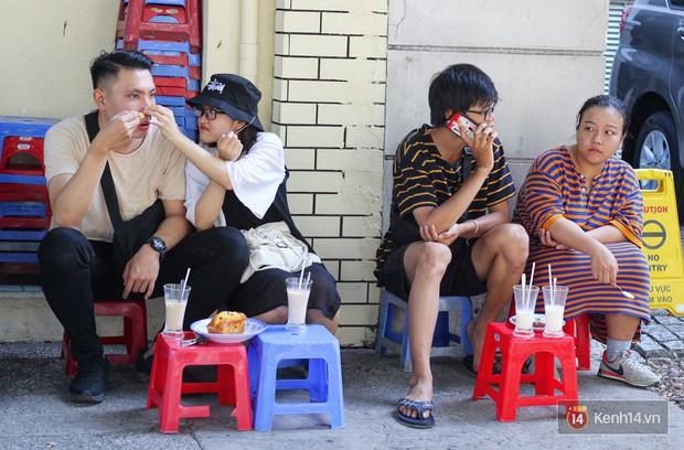 Chốn dừng chân ăn sáng, uống sữa huyền thoại của bao thế hệ người Sài Gòn - Ảnh 10.
