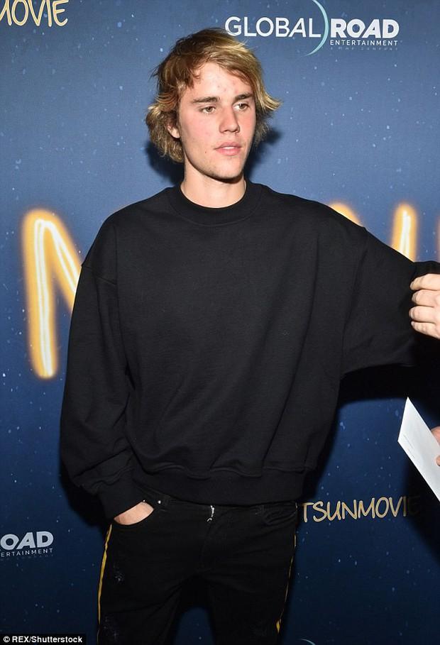 Nhờ có Justin Bieber, kiểu tóc vểnh ngược cả thập niên trước mới được dịp quay trở lại và làm hại nhan sắc chàng trai - Ảnh 1.