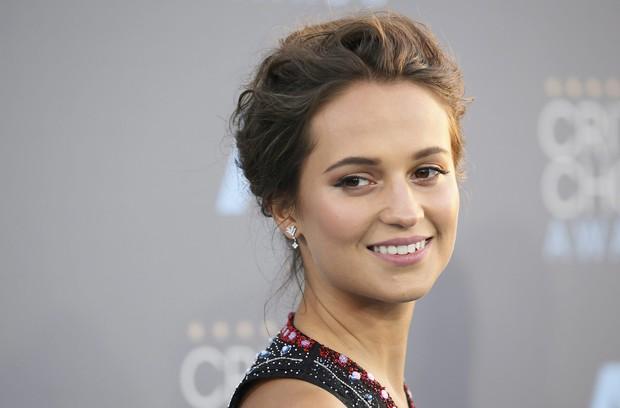 Mỹ nhân Tomb Raider: Biểu tượng sắc đẹp Thụy Điển dù ngực nhỏ vẫn quyến rũ hàng triệu khán giả - Ảnh 3.