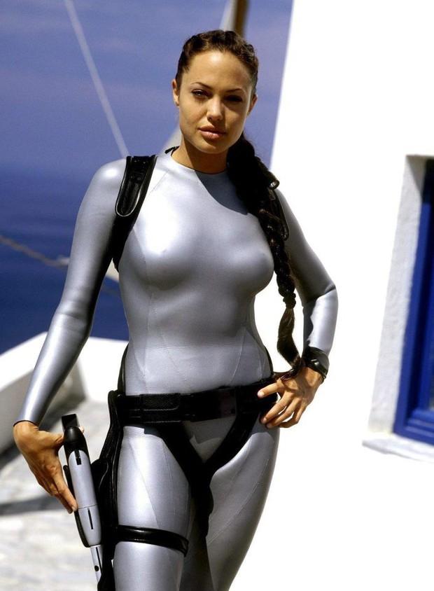 Mỹ nhân Tomb Raider: Biểu tượng sắc đẹp Thụy Điển dù ngực nhỏ vẫn quyến rũ hàng triệu khán giả - Ảnh 17.
