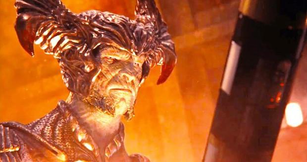 Phim đã hết từ lâu, khán giả mới soi ra cặp... mông gã phản diện đầu trâu của Justice League - Ảnh 3.