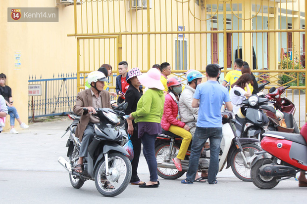 NHM Thanh Hóa vượt hàng chục cây số chờ Bùi Tiến Dũng ra sân - Ảnh 8.