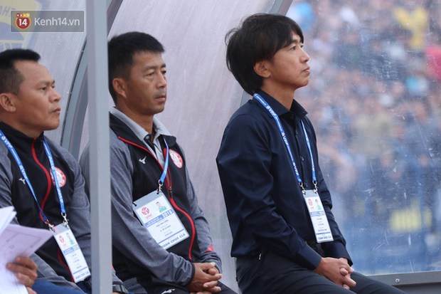 """""""50 sắc thái"""" của HLV Miura trong ngày ra mắt V.League - Ảnh 3."""