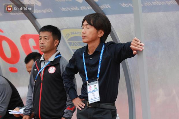 """""""50 sắc thái"""" của HLV Miura trong ngày ra mắt V.League - Ảnh 8."""