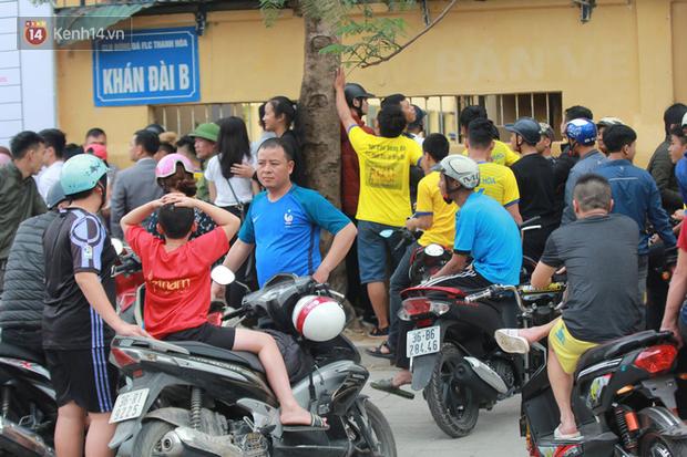 NHM Thanh Hóa vượt hàng chục cây số chờ Bùi Tiến Dũng ra sân - Ảnh 10.