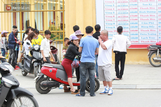 NHM Thanh Hóa vượt hàng chục cây số chờ Bùi Tiến Dũng ra sân - Ảnh 6.