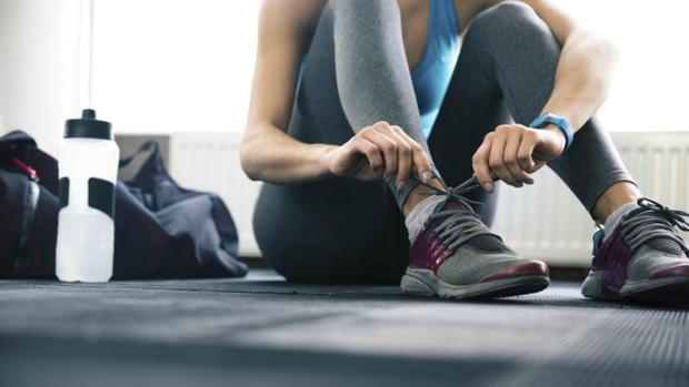 Điểm mặt 5 thói quen xấu trước khi ngủ vừa làm béo bụng, vừa gây hại cho sức khoẻ - Ảnh 3.