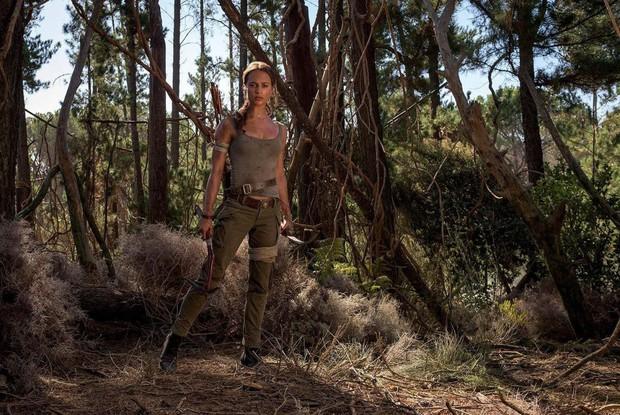 """""""Tomb Raider"""" ơi, đã chuyển thể từ game sao vẫn còn 6 hạt sạn khó đỡ thế kia? - Ảnh 2."""