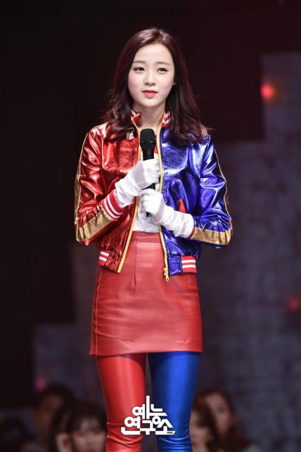 Thành viên girlgroup em gái KARA được khen nức nở trên show hát giấu mặt - Ảnh 2.