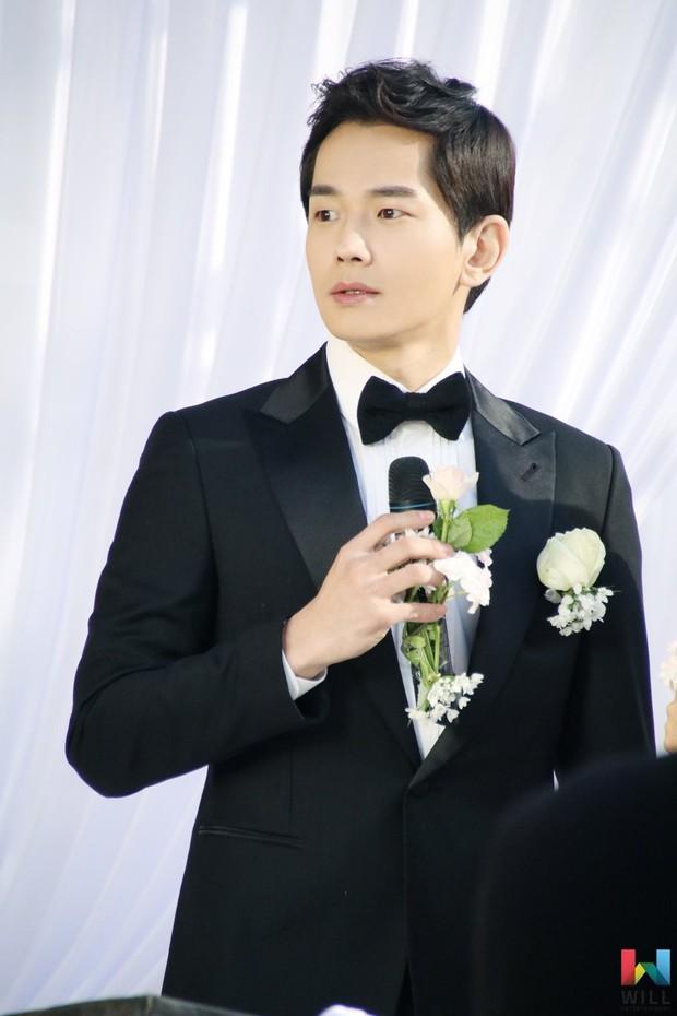 Hết hồn trước loạt ảnh Sooyoung đẹp lộng lẫy trong ngày cưới, nhưng chú rể không phải là Jung Kyung Ho - Ảnh 7.