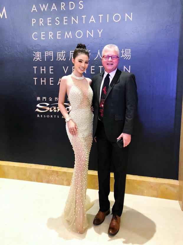 Jolie Nguyễn hào hứng chụp ảnh cùng Cổ Thiên Lạc, Hyomin (T-Ara) tại sự kiện ở Macao - Ảnh 7.